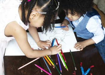 Enfants Crayons Couleur